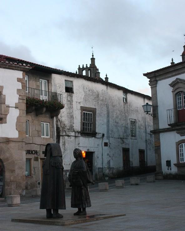 Mirandeses en la plaza del ayuntamiento. LeleSorribas2013