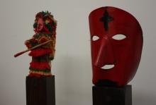 Figura completa de un Careto y una máscara. Caretos d ePodence. LeleSorribas2013