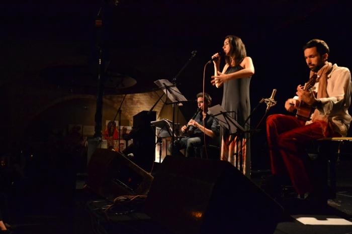 Gabriel Amargant, clarinete; Sofia Ribeiro, voz; Bartolomeo Barenghi, guitarra.